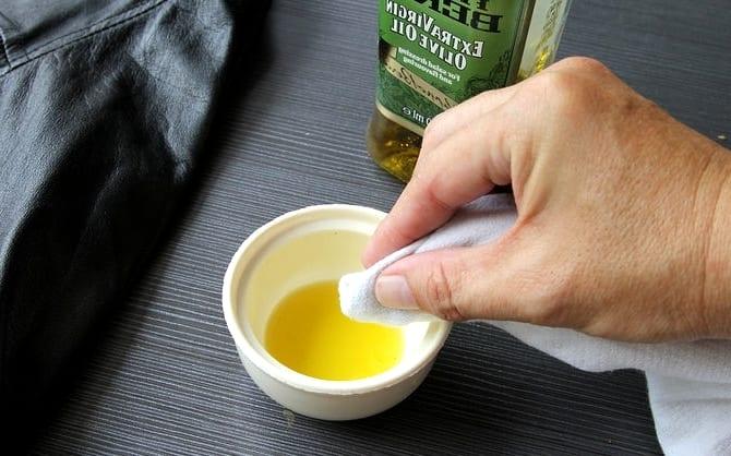 Вывести пятно от оливкового масла фото
