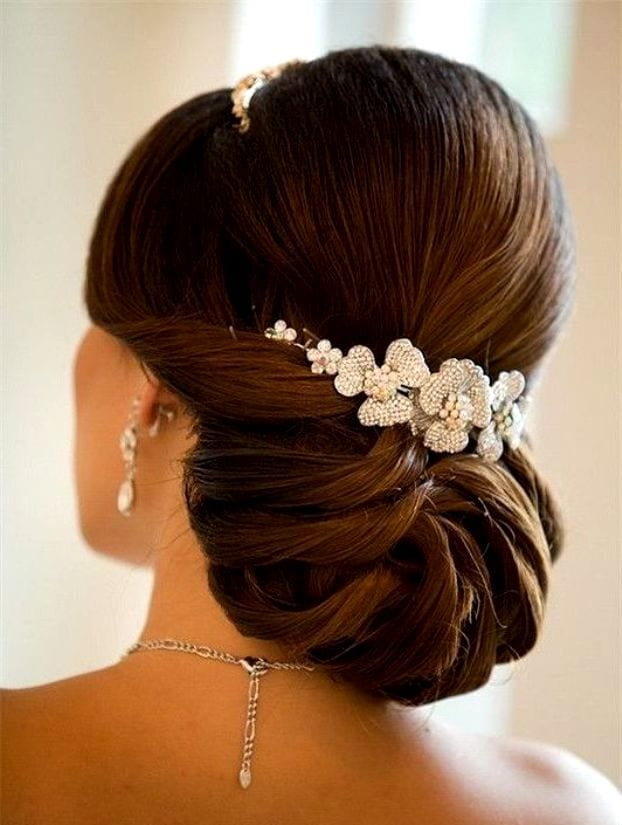 Свадебные причёски с валиком