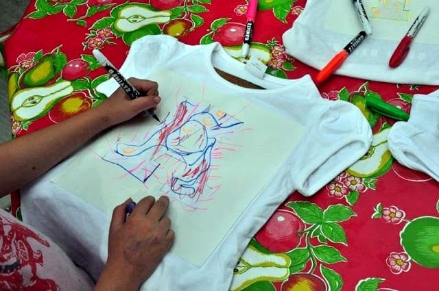 Рисунки на футболках в домашних условиях 158