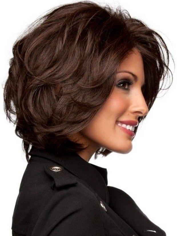 Каре боб на волнистые волосы