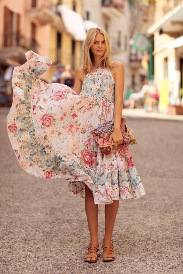 995aff78116 Вечерние платья. Вечернее платье из шелка – идеальное решение для выхода в  свет. Оно очень женственно и создаёт торжественный вид без особых усилий с  вашей ...