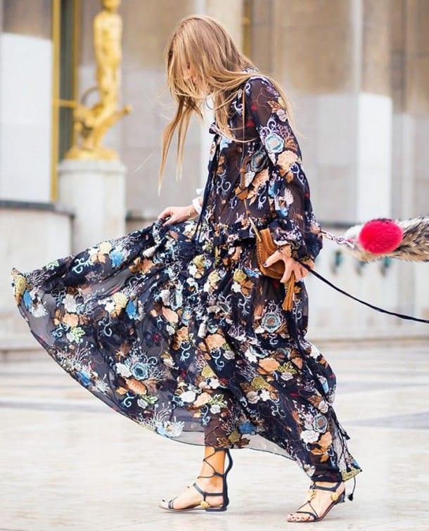 ed392a55017 Платья из шелка отличаются безупречным видом и свойством преподносить любую  фигуру в максимально выгодном свете.