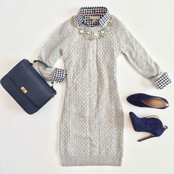 Серое платье, синие туфли, сумка