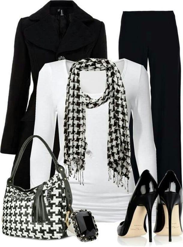 Белая кофта, черное пальто, сумка, туфли, брюки
