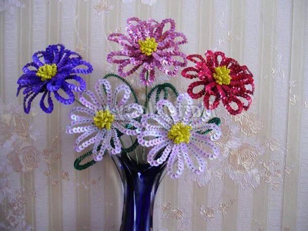 Цветы из паеток