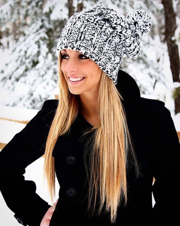 Девушка в шапке