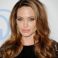 Прически Анджелины Джоли