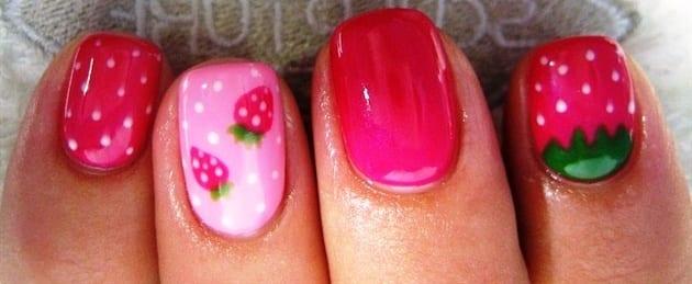 Рисунки на ногтях клубника