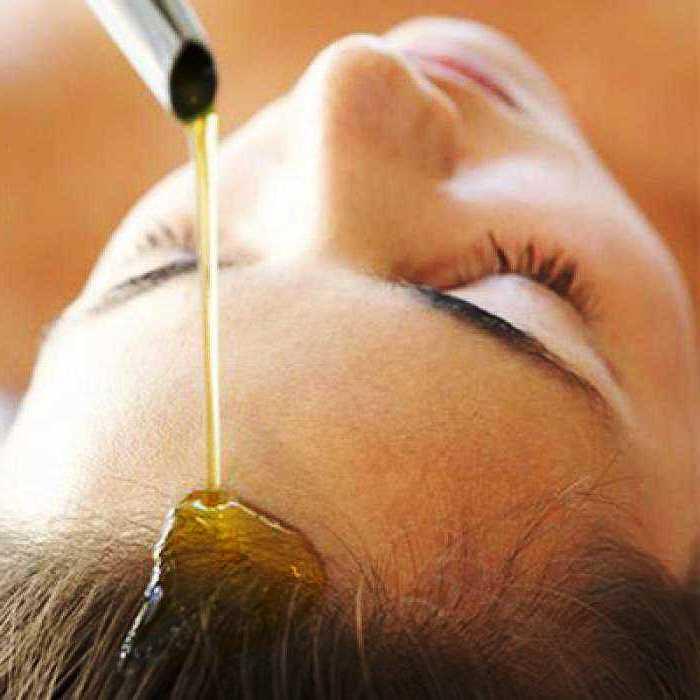 Добавляйте в маску лимонный сок, мед, коньяк и готовьте прекрасное снадобье для длинных кос