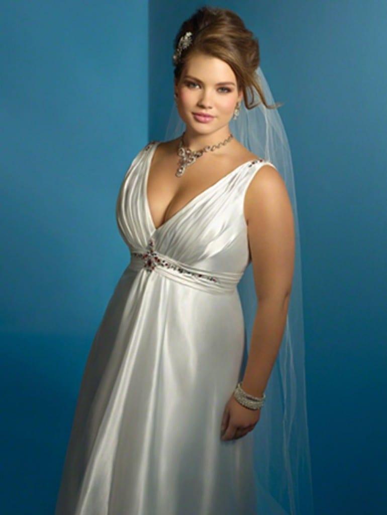 Свадебное платье с фатой