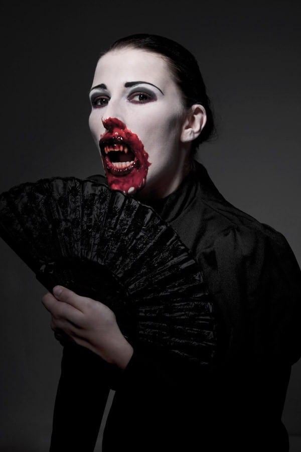 Макияж вампира
