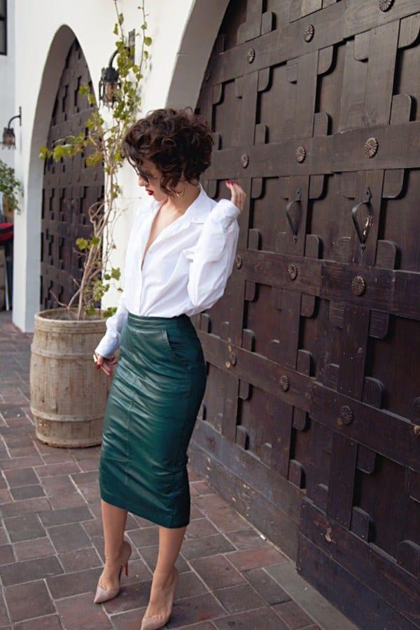 Белая блуза и юбка-карандаш