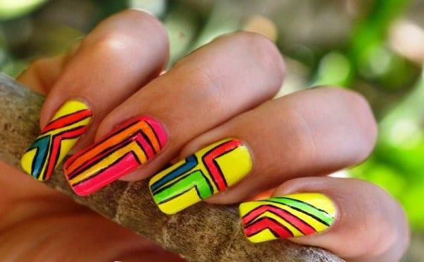 Яркие лаки для ногтей