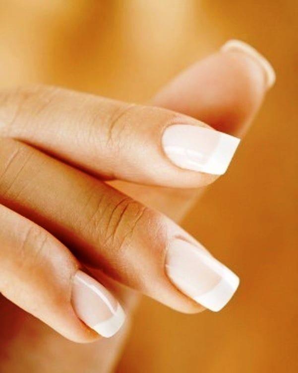 Белое пятно на ногте