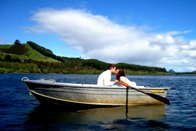 Лодка на пруду