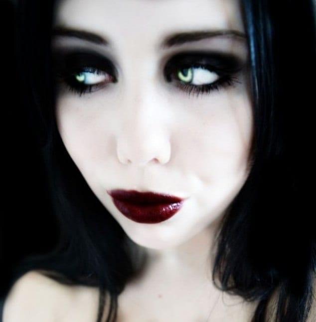 Готический макияж на каждый день