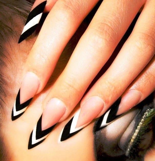 Как надевают форму для наращивания ногтей