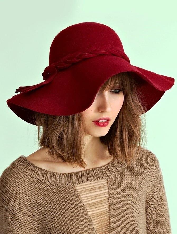 Шляпа из плотного материала
