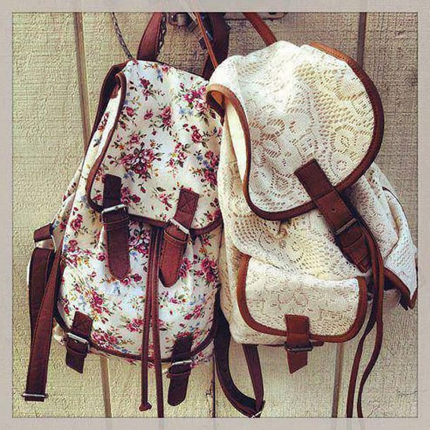 Два текстильных рюкзака
